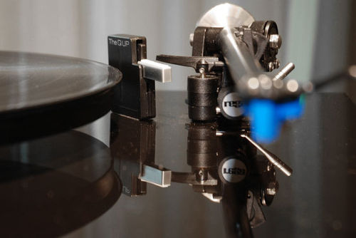 The Q UP Automatic Tonearm Lifter for Manual Turntables