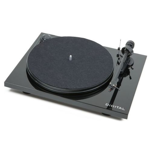 Pro-Ject Essential II Digital Turntable / Ortofon OM5e