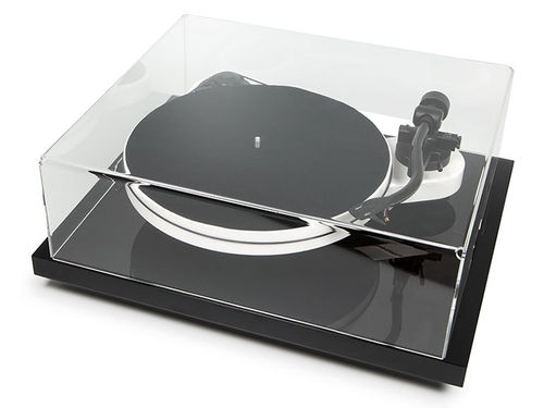 Pro-Ject RPM 3 Carbon Turntable / Dust Cover / Isolation Platform /  Ortofon 2M  Silver