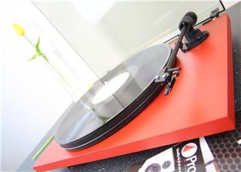 Pro-Ject Primary Phono USB Turntable / Ortofon OM5e